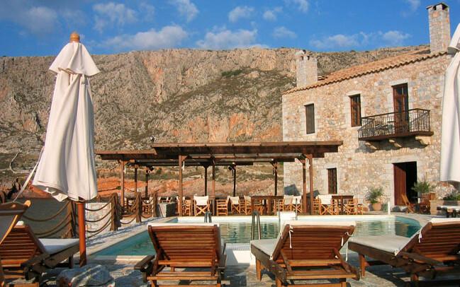 Hotel Kyrimai, Pool, Berge