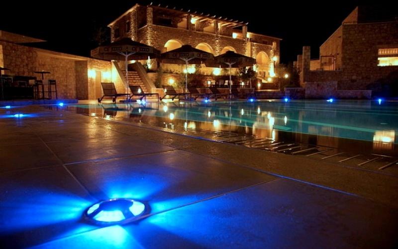 Anaxo Resort, Pool bei Nacht