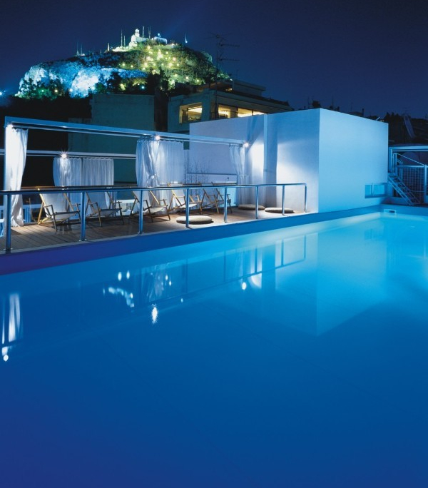 Ly Cabettus, Athen, Pool
