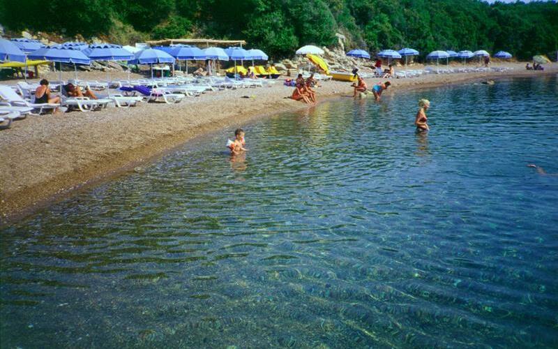 Sunrise Village Resort, Petalidi, Strand