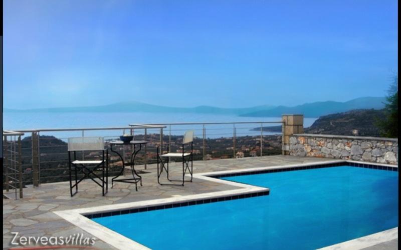 Zerveas Villa, Pool